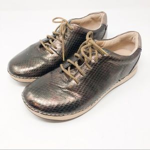 Allegria holographic tennis shoes